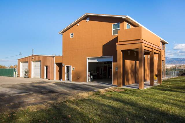 214 Homeland Road NW, Albuquerque, NM 87114 (MLS #957943) :: Campbell & Campbell Real Estate Services
