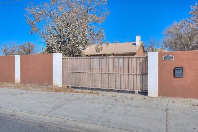 1859 Five Points Road SW, Albuquerque, NM 87105 (MLS #958028) :: Campbell & Campbell Real Estate Services