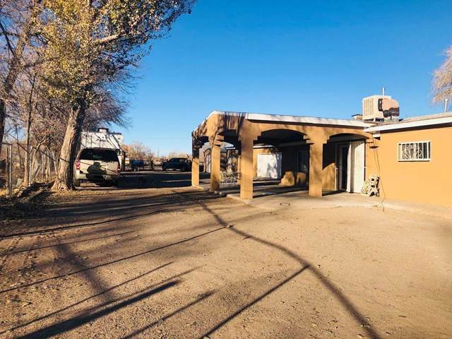 1853 Valley Road SW, Albuquerque, NM 87105 (MLS #958095) :: Campbell & Campbell Real Estate Services