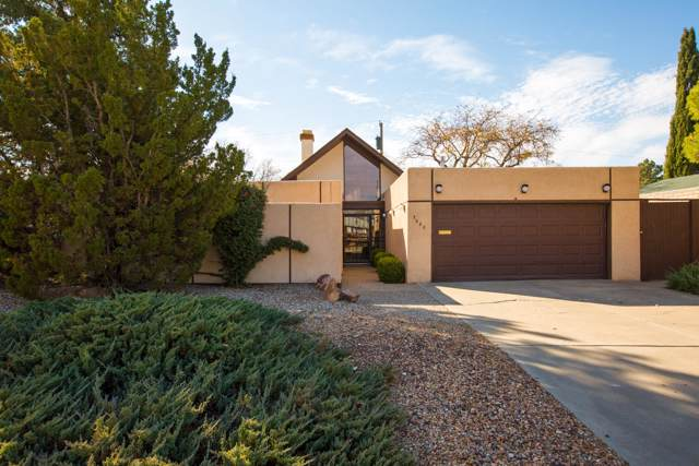 7622 Winter Avenue NE, Albuquerque, NM 87110 (MLS #958162) :: Campbell & Campbell Real Estate Services