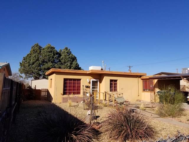 2529 La Veta Drive NE, Albuquerque, NM 87110 (MLS #958265) :: Campbell & Campbell Real Estate Services
