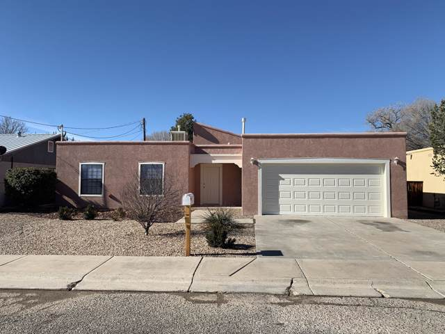 403 14TH Street, Belen, NM 87002 (MLS #958605) :: Campbell & Campbell Real Estate Services