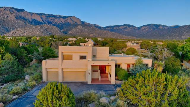 1026 Tramway Lane NE, Albuquerque, NM 87122 (MLS #958627) :: Campbell & Campbell Real Estate Services