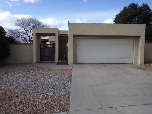 10313 Camino Del Oso NE, Albuquerque, NM 87111 (MLS #958872) :: The Bigelow Team / Red Fox Realty