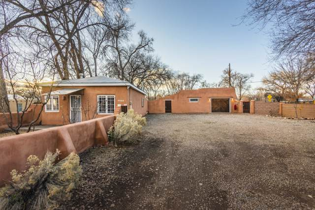 7339 Guadalupe Trail NW, Los Ranchos, NM 87107 (MLS #958881) :: Campbell & Campbell Real Estate Services