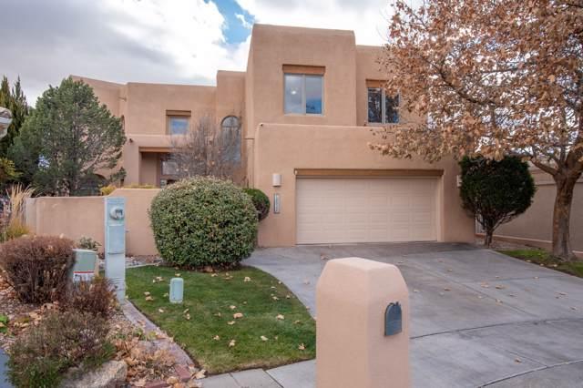 10024 Wellington NE, Albuquerque, NM 87111 (MLS #958916) :: Campbell & Campbell Real Estate Services