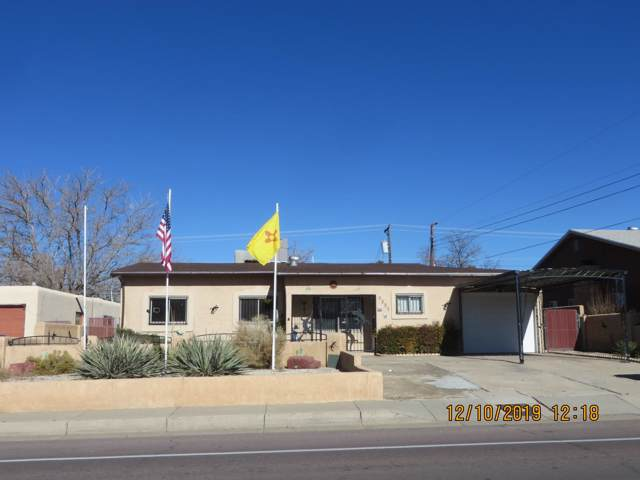 4205 Comanche Road NE, Albuquerque, NM 87110 (MLS #958922) :: The Bigelow Team / Red Fox Realty