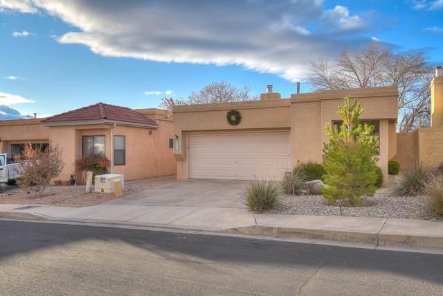 5715 Burnhamwood Place NE, Albuquerque, NM 87111 (MLS #958928) :: The Bigelow Team / Red Fox Realty
