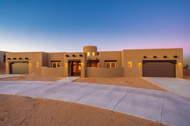 1427 20th Avenue SE, Rio Rancho, NM 87124 (MLS #958960) :: Campbell & Campbell Real Estate Services