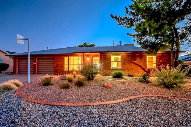 7727 Pioneer Trail NE, Albuquerque, NM 87109 (MLS #959486) :: Sandi Pressley Team