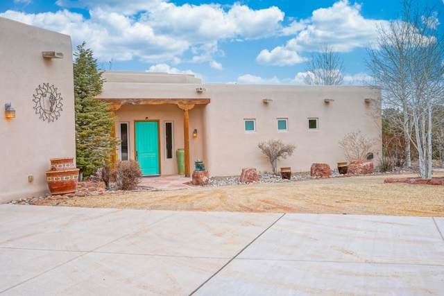3 Storyteller Court, Sandia Park, NM 87047 (MLS #959613) :: Campbell & Campbell Real Estate Services