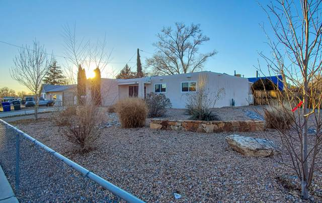 1045 Betts Place NE, Albuquerque, NM 87112 (MLS #960000) :: Campbell & Campbell Real Estate Services