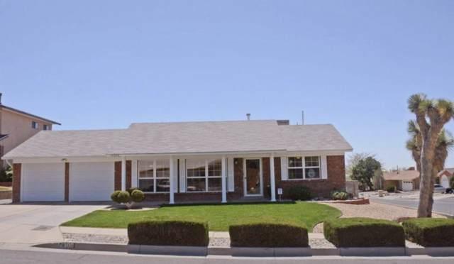 14308 La Cueva Avenue NE, Albuquerque, NM 87123 (MLS #960116) :: Silesha & Company