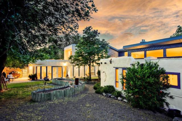 5733 Guadalupe Trail NW, Albuquerque, NM 87107 (MLS #960319) :: Campbell & Campbell Real Estate Services
