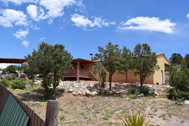 11 Valley View Road, Moriarty, NM 87035 (MLS #960380) :: Campbell & Campbell Real Estate Services