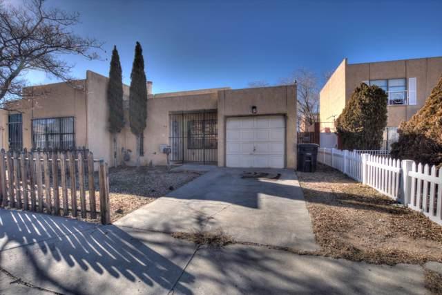 347 Bell Park Circle SE, Albuquerque, NM 87108 (MLS #960698) :: Silesha & Company
