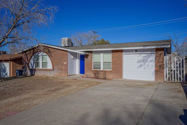 13125 Skyview Avenue NE, Albuquerque, NM 87123 (MLS #960754) :: Silesha & Company