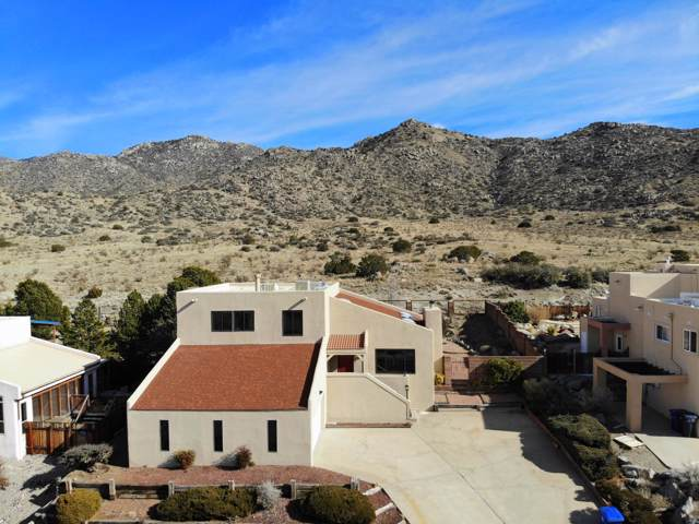 716 Supper Rock Drive NE, Albuquerque, NM 87123 (MLS #960805) :: Campbell & Campbell Real Estate Services