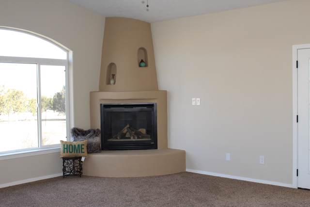 7 Colina Verde Lane, Edgewood, NM 87015 (MLS #961034) :: Silesha & Company