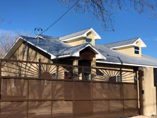 229 Vineyard Road NW, Albuquerque, NM 87107 (MLS #961133) :: Campbell & Campbell Real Estate Services