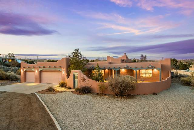 19 Mesquite Place NW, Corrales, NM 87048 (MLS #961147) :: Campbell & Campbell Real Estate Services