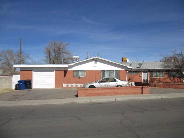7011 13 15 Trumbull Avenue SE, Albuquerque, NM 87108 (MLS #961664) :: Campbell & Campbell Real Estate Services