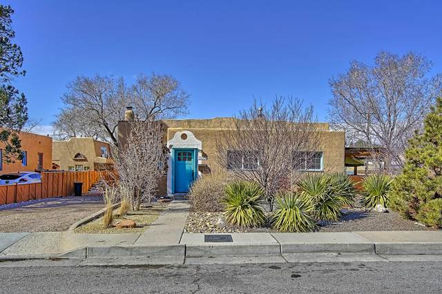 227 Amherst Drive NE, Albuquerque, NM 87106 (MLS #962029) :: The Buchman Group