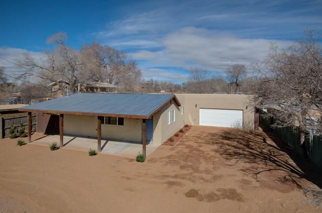 1021 Matthew Avenue NW, Albuquerque, NM 87107 (MLS #962173) :: Silesha & Company