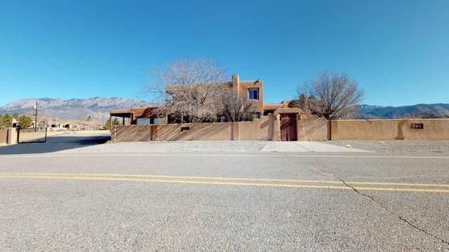11210 Santa Monica Drive NE, Albuquerque, NM 87122 (MLS #962279) :: Campbell & Campbell Real Estate Services