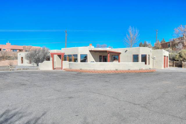 1524 Meadowlark Lane, Corrales, NM 87048 (MLS #962336) :: The Buchman Group