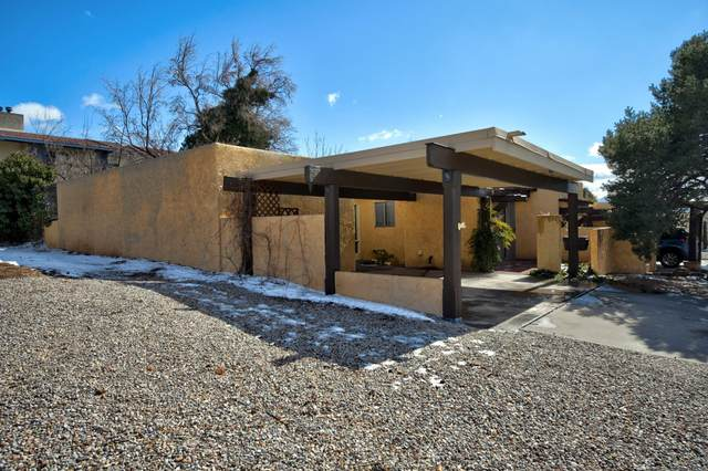 17 Casa Hermosa Drive NE, Albuquerque, NM 87112 (MLS #962549) :: Campbell & Campbell Real Estate Services