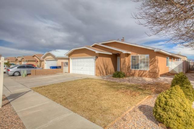 540 Dean Drive SW, Albuquerque, NM 87121 (MLS #962556) :: Silesha & Company