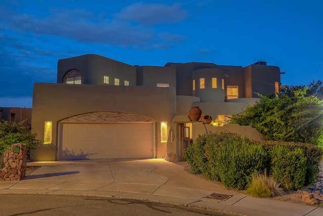 2200 Via Cadiz Court NW, Albuquerque, NM 87104 (MLS #962586) :: Silesha & Company