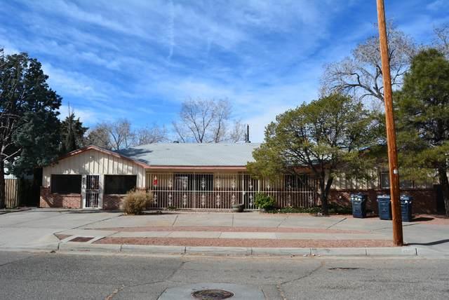4505 Dona Marguerita Avenue NE, Albuquerque, NM 87111 (MLS #962643) :: Silesha & Company