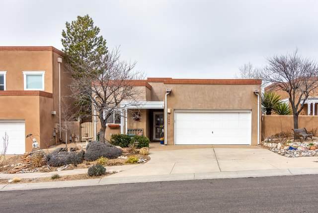 5609 Vulcan Vista Drive NE, Albuquerque, NM 87111 (MLS #962820) :: The Bigelow Team / Red Fox Realty