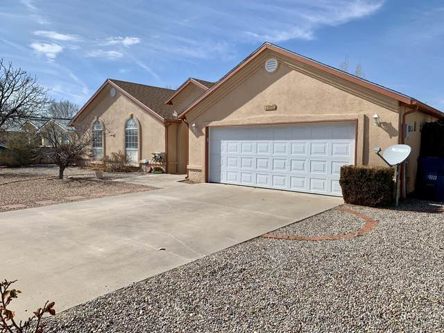 1111 Crestview Drive SW, Los Lunas, NM 87031 (MLS #962837) :: The Buchman Group