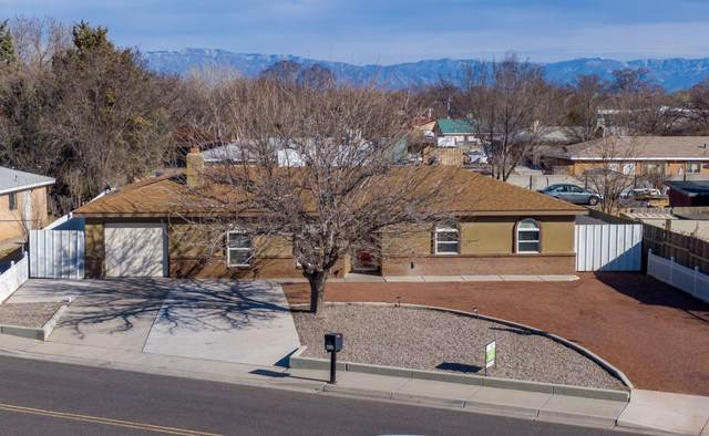 436 Valle Grande Drive SW, Los Lunas, NM 87031 (MLS #962846) :: The Buchman Group
