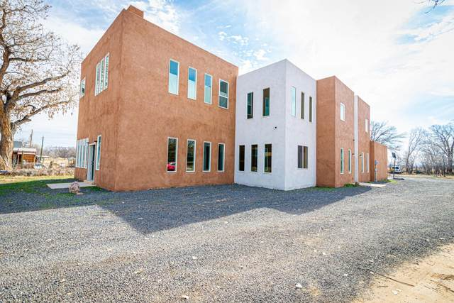 670 Amistad Drive SW, Los Lunas, NM 87031 (MLS #962866) :: The Buchman Group