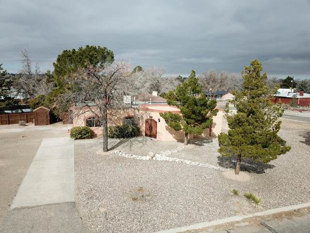 1401 Bertha Road SE, Rio Rancho, NM 87124 (MLS #962930) :: The Buchman Group