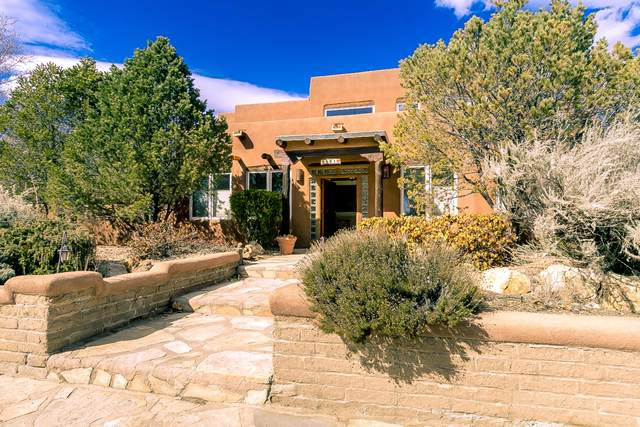 5101 Timan Avenue NW, Albuquerque, NM 87114 (MLS #962981) :: The Buchman Group