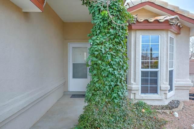 4400 Alpine Circle SE, Rio Rancho, NM 87124 (MLS #963001) :: The Buchman Group