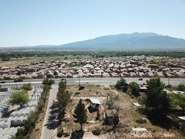 1337 Camino Cielo, Bernalillo, NM 87004 (MLS #963177) :: Berkshire Hathaway HomeServices Santa Fe Real Estate
