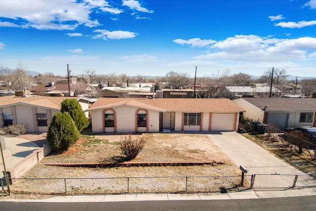 4620 Spring Valley Circle SW, Albuquerque, NM 87105 (MLS #963423) :: The Bigelow Team / Red Fox Realty