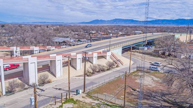 1st Street, Belen, NM 87002 (MLS #963810) :: Campbell & Campbell Real Estate Services