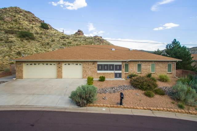 130 Camino De La Sierra NE, Albuquerque, NM 87123 (MLS #963906) :: The Buchman Group
