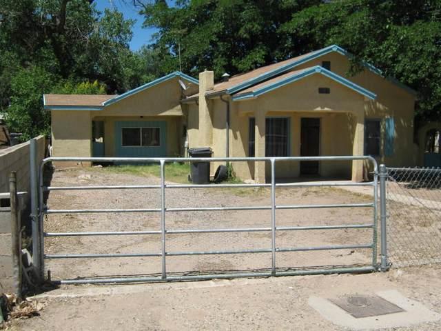 1717 Del Sur Drive SW, Albuquerque, NM 87105 (MLS #964704) :: The Buchman Group