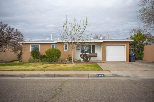 5701 Alta Monte Avenue NE, Albuquerque, NM 87110 (MLS #964965) :: Campbell & Campbell Real Estate Services