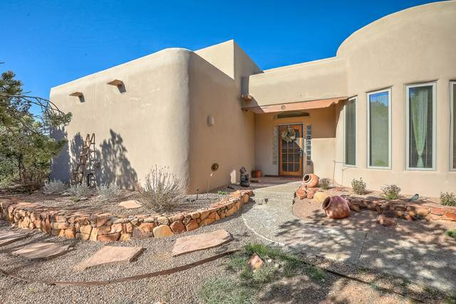 26 Kiva Place, Sandia Park, NM 87047 (MLS #965580) :: Sandi Pressley Team