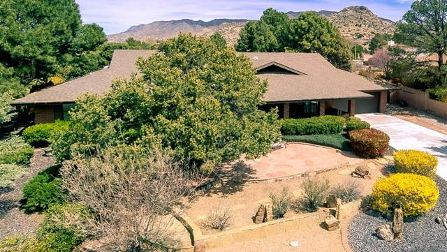 1504 Soplo Road SE, Albuquerque, NM 87123 (MLS #965693) :: The Bigelow Team / Red Fox Realty