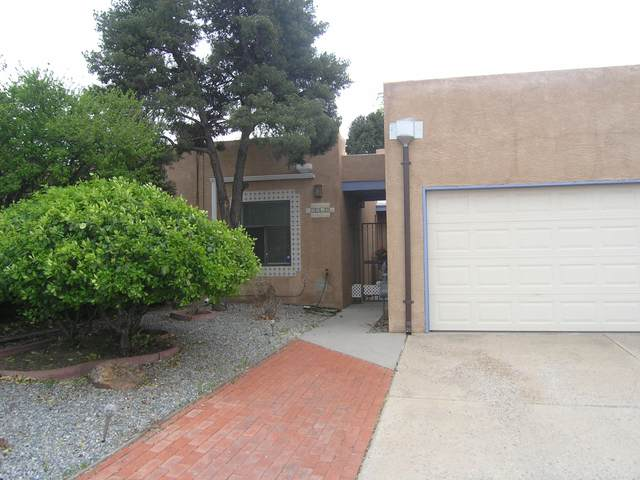 2912 Cutler Avenue NE, Albuquerque, NM 87106 (MLS #965701) :: The Bigelow Team / Red Fox Realty